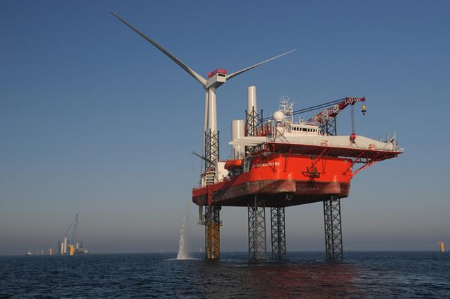 GM Endeavour installs the Siemens 3.6MW turbines at Sheringham Shoal.